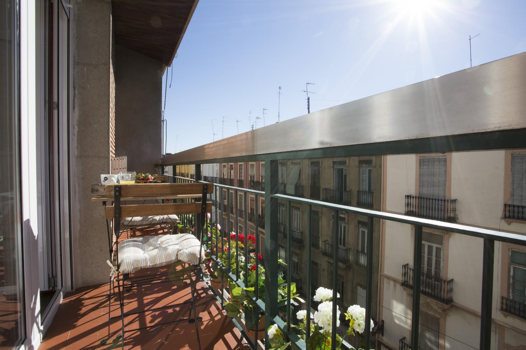 Apartamentos en valencia ciudad sevilla i for Apartamentos en sevilla baratos alquiler